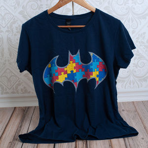 BATMAN woman or mens short sleeve t-shirt comic